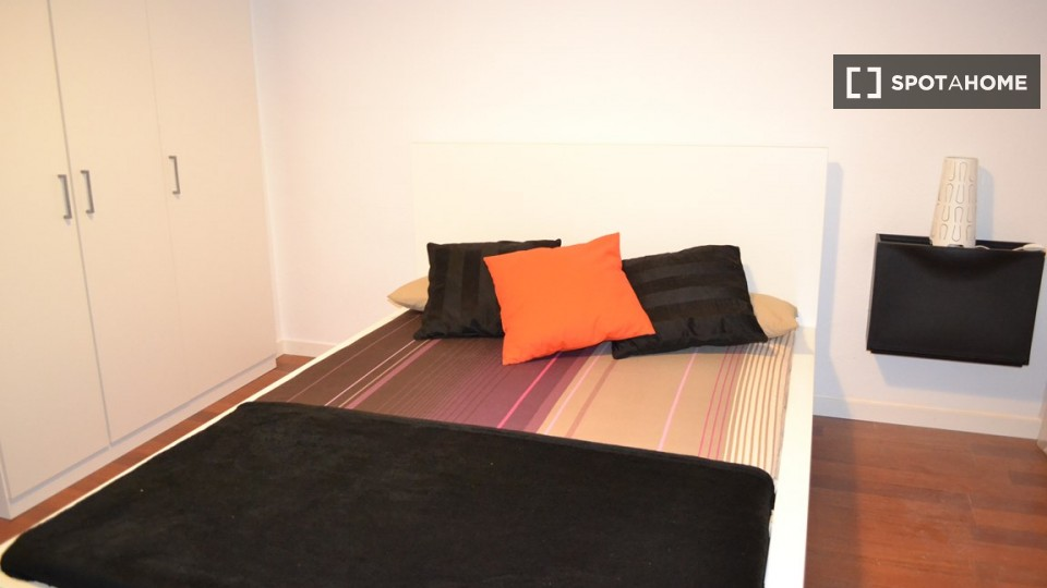 $597 room for rent Chamberi Zona Centro, Madrid