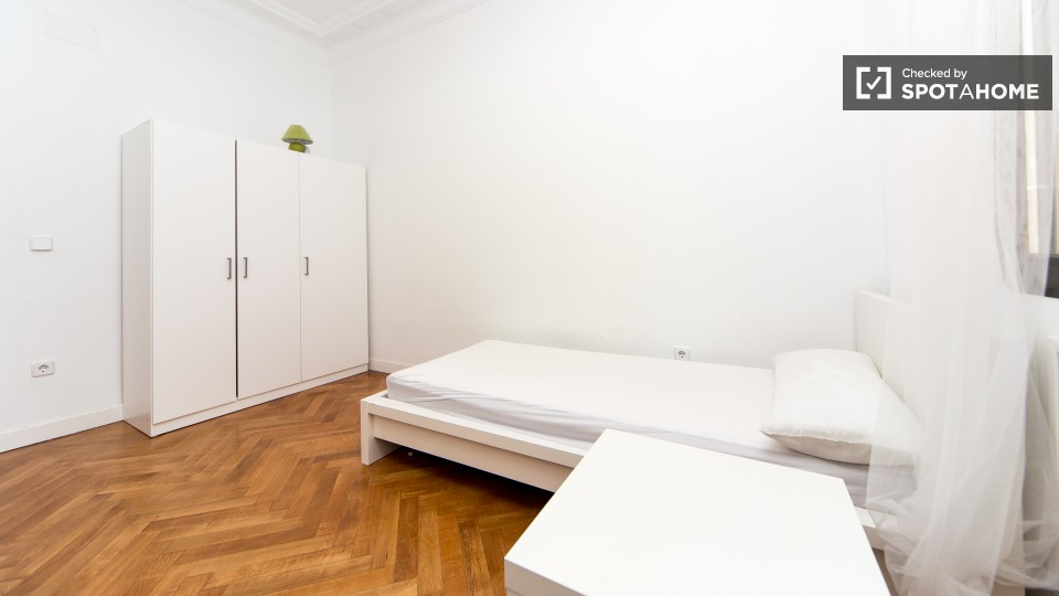 $539 room for rent Chamberi Zona Centro, Madrid