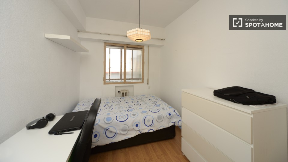 $560 room for rent Chamberi Zona Centro, Madrid