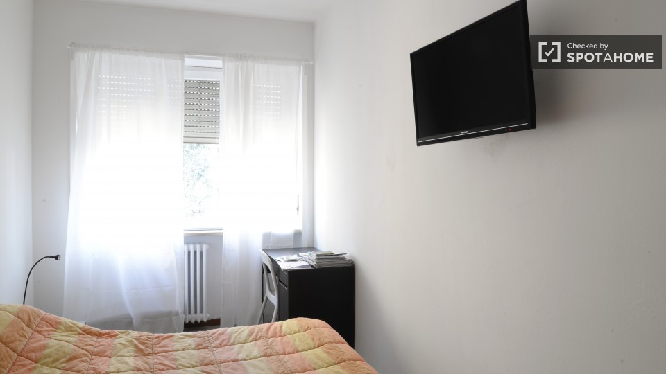 $714 room for rent Sesto San Giovanni Milan, Lombardy (Milan)