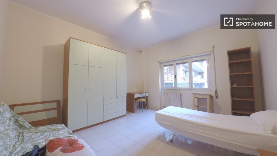Lazio roma furnished apartments sublets short term for Save room net