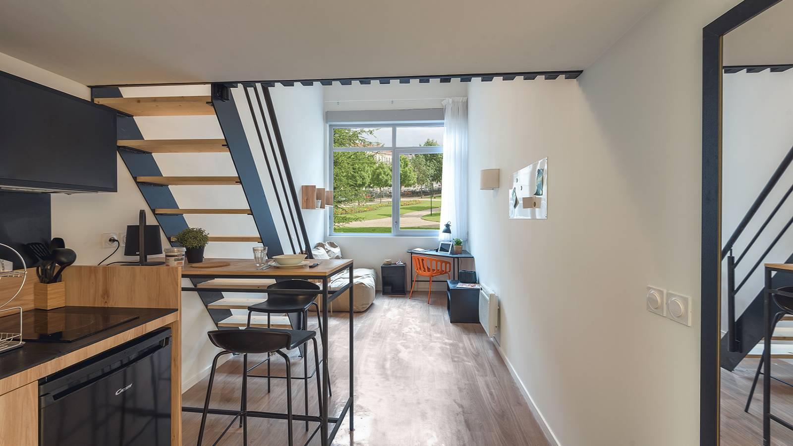 Studio duplex in a residence