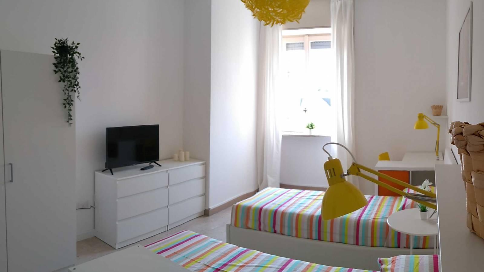 Bedroom GIALLA