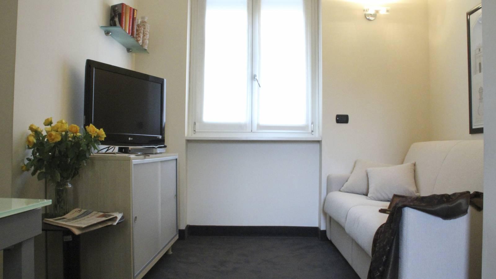 Vergani Home Divani Prezzi bel appartamento di 1 camera da letto in affitto vicino alla metropolitana  di pagano