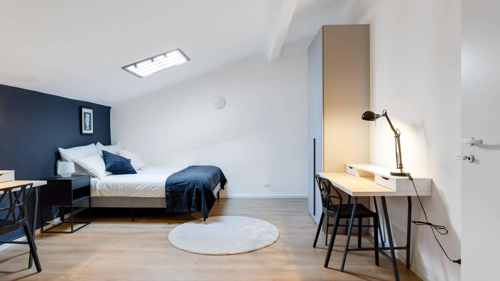Bedroom 8 - Double bed 2