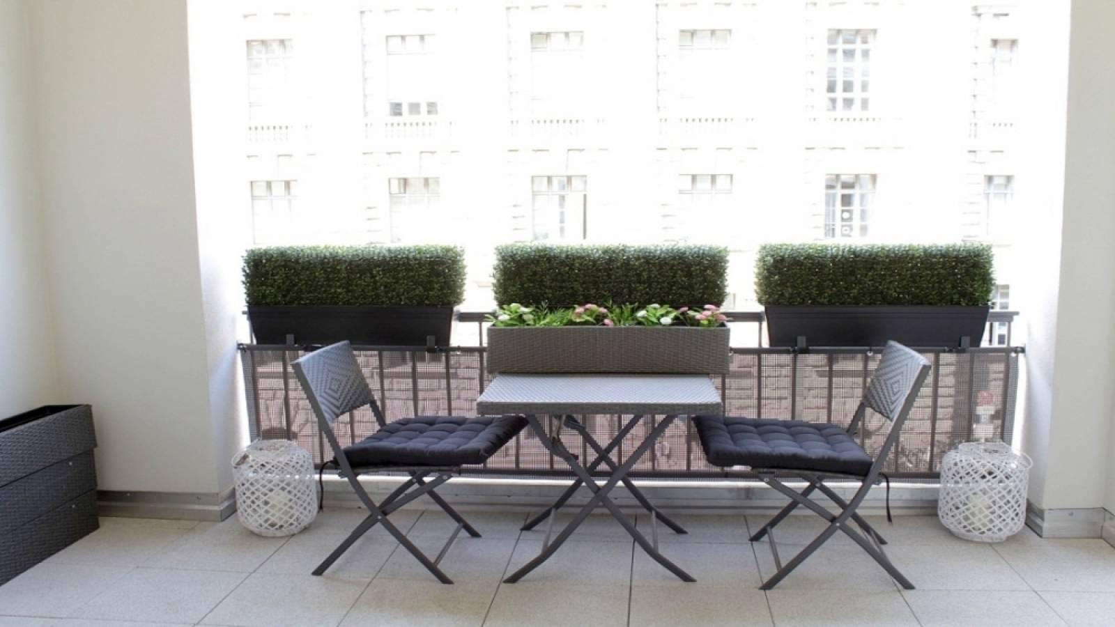Living room - balcony