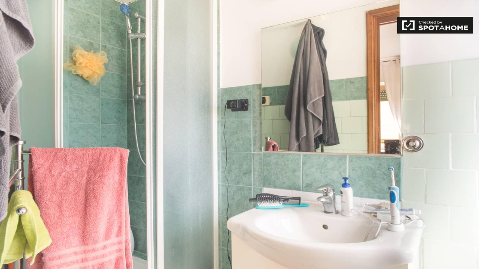 Bagno di camera da letto 2