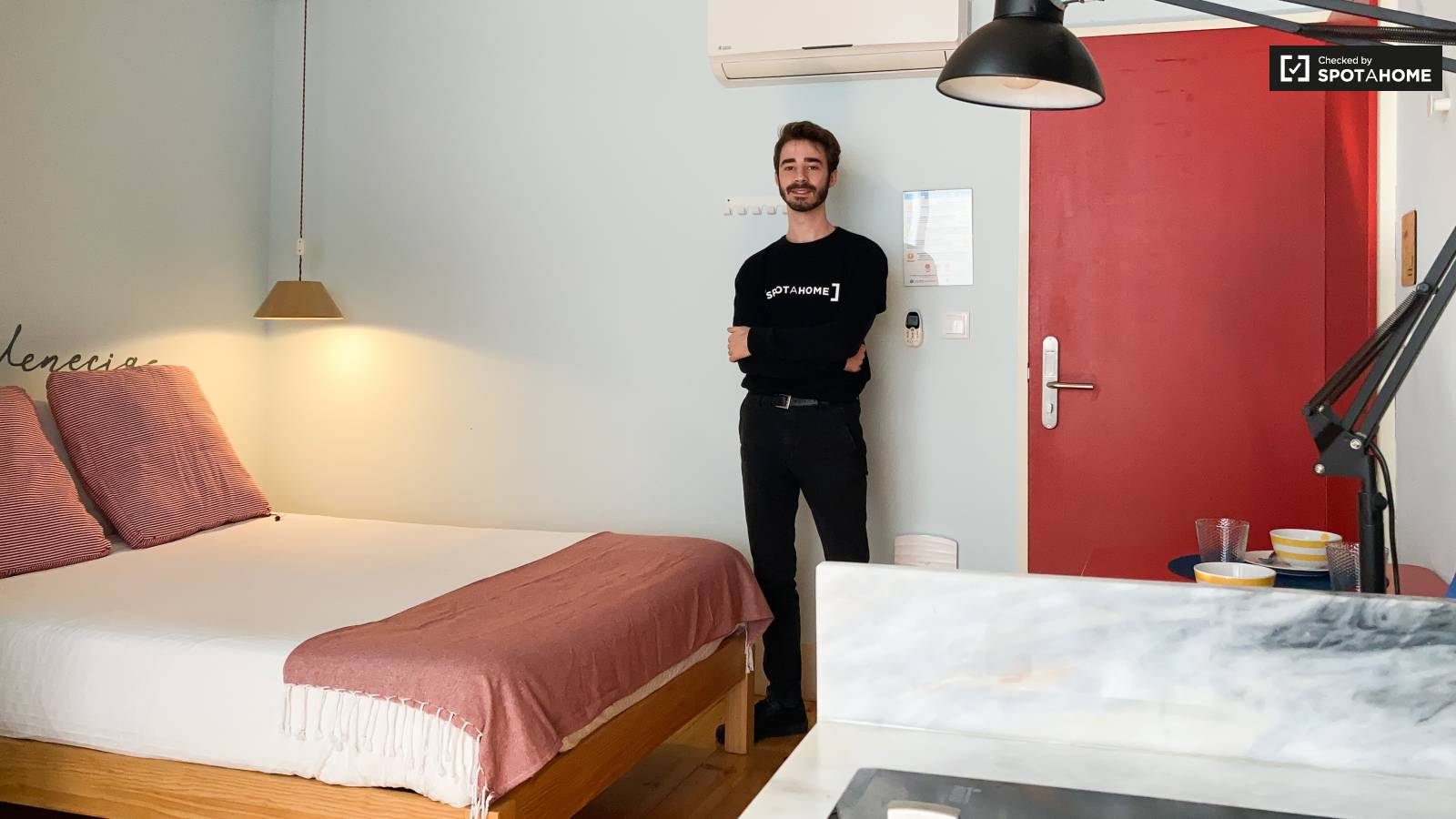 Checked by Gonçalo from Spotahome