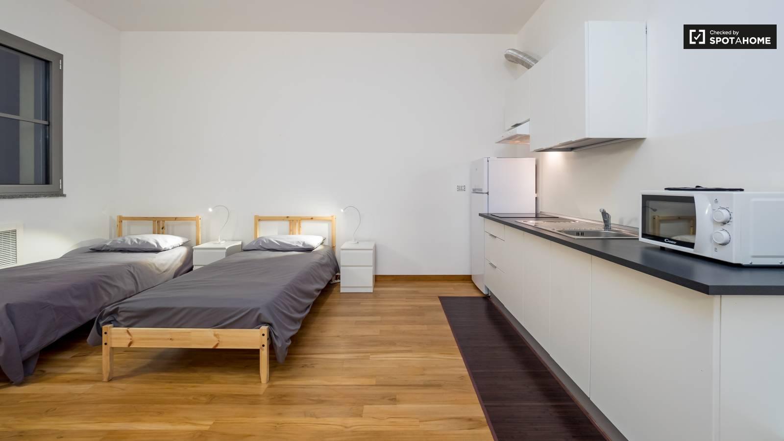 Bedroom | Kitchen