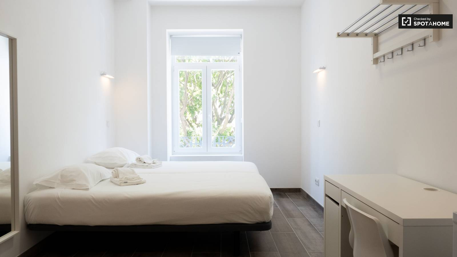 Bedroom 300