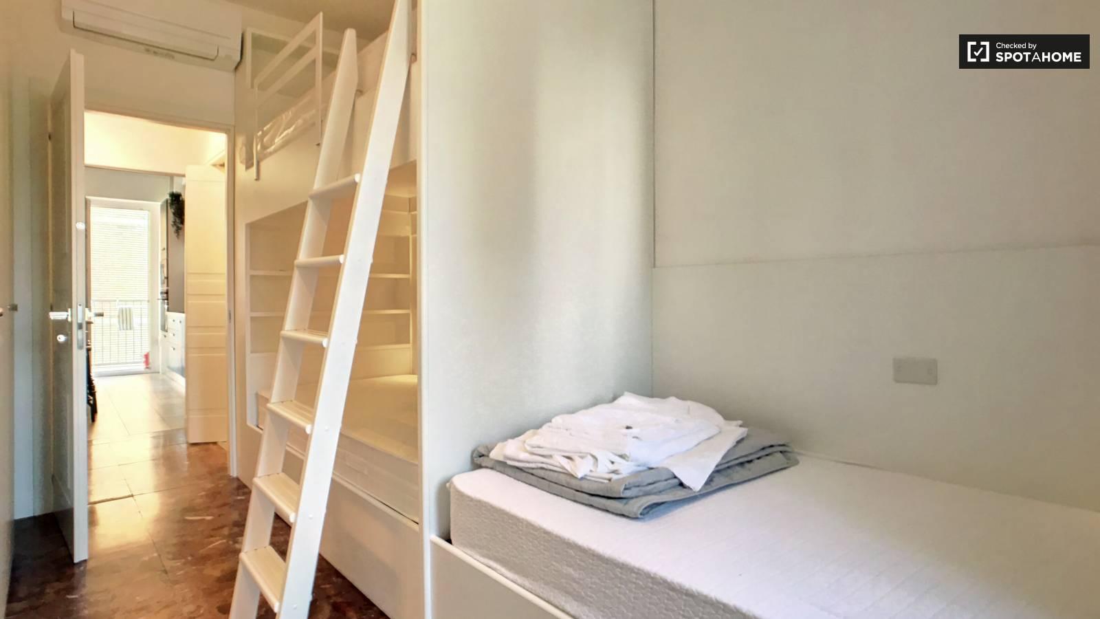 Bedroom 2- bed 1