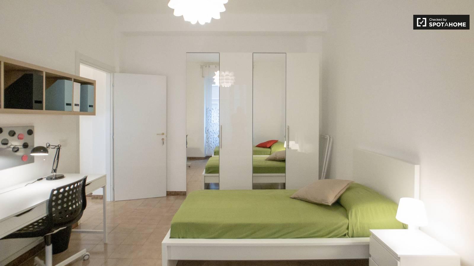 Bedroom 1 - bed 2