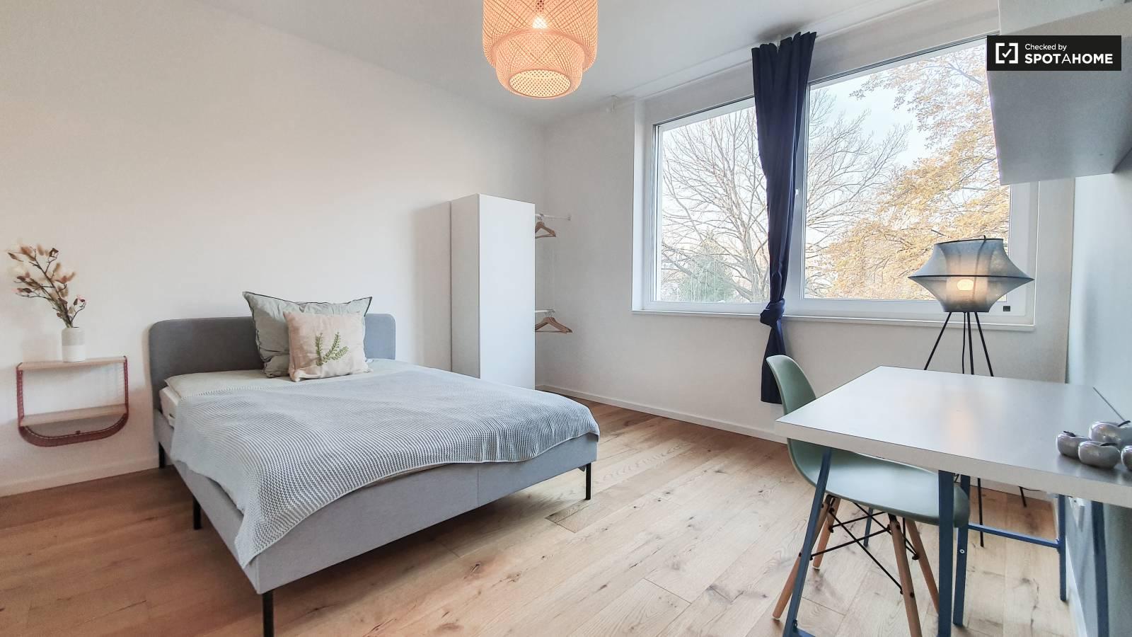 Camera In Affitto In Appartamento Con 4 Camere Da Letto A Berlino Ref 470240 Spotahome