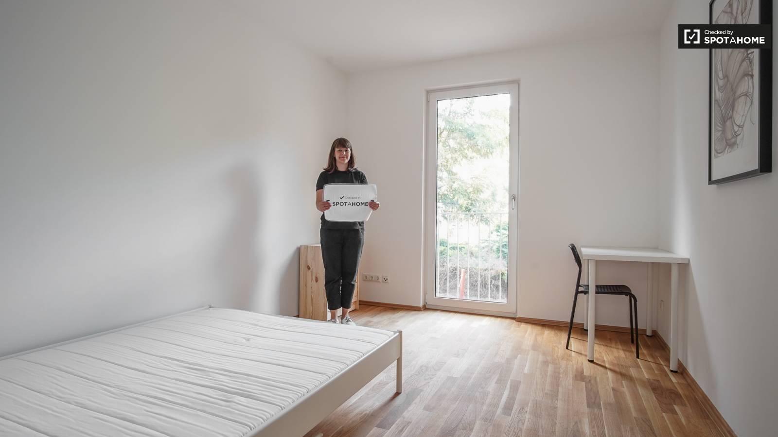 Geräumiges Zimmer in 3-Zimmer-Wohnung in Köpenick, Berlin (ref ...