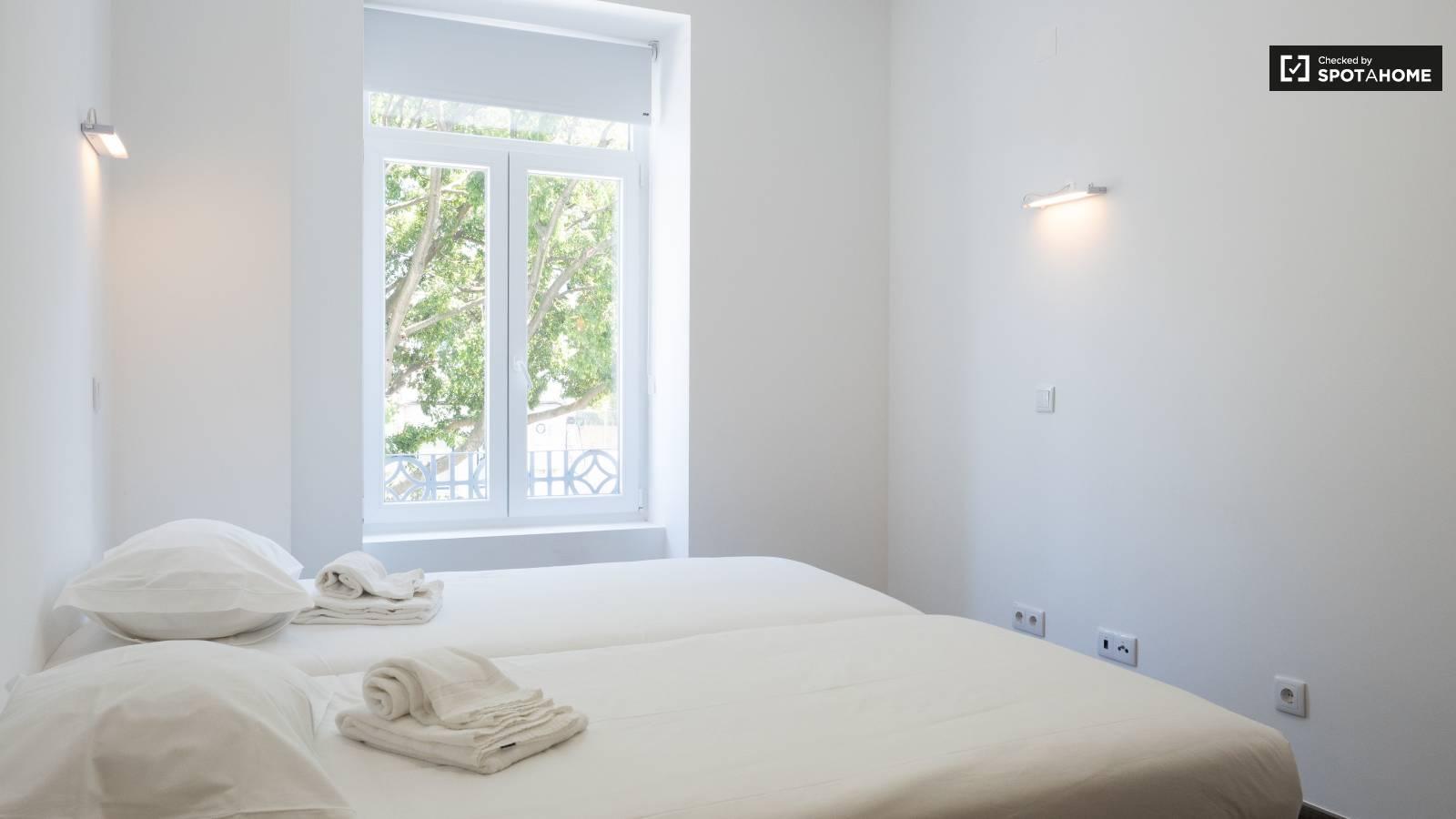 Bedroom 200