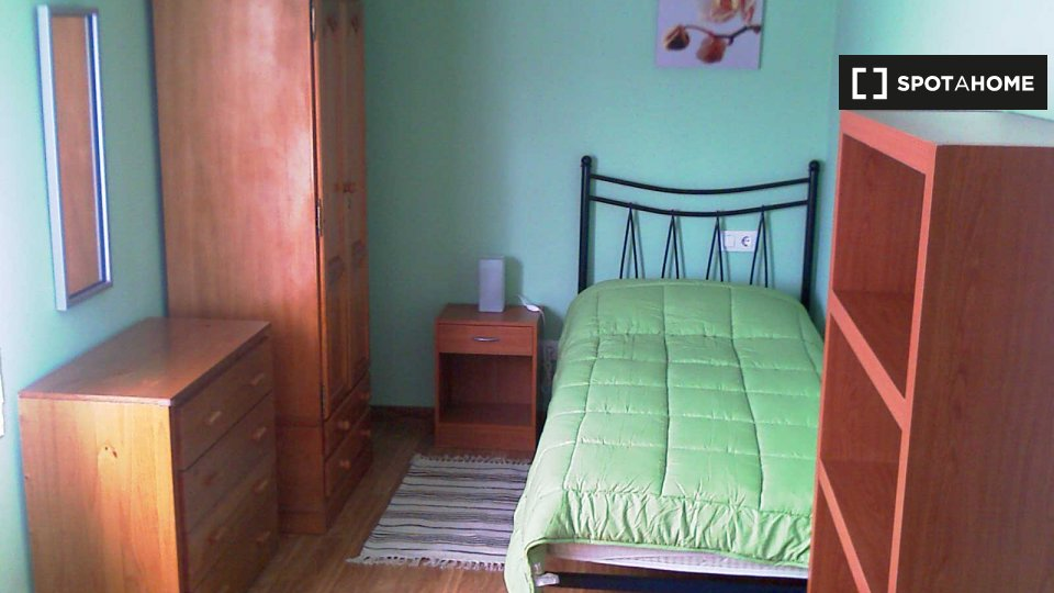Habitación en piso compartido en Oviedo
