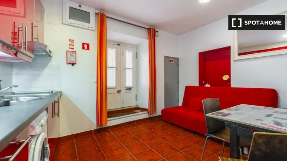 Alloggio in Residence in affitto a Mouraria Lisbona € 800 al mese