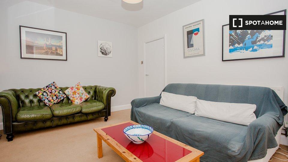 A Portnall Rd, London W9 3BB, UK