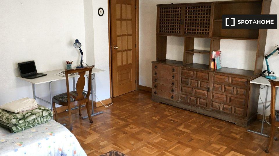 Habitación en piso compartido en Pamplona