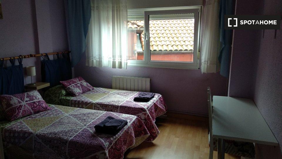 Habitación en piso compartido en Santander