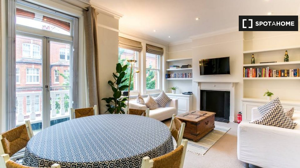 A Fairholme Rd, Hammersmith, London W14 9JY, UK