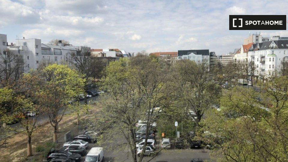 Olivaer Pl., 10707 Berlin, Germany