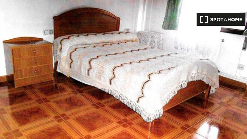 Habitación en piso compartido en Vigo