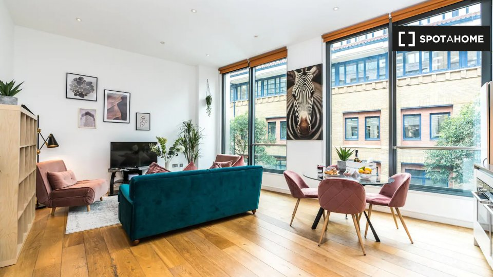 Bear Pit Apartments