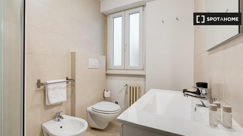 Via Gualtiero Serafino, 00136 Roma RM, Italy