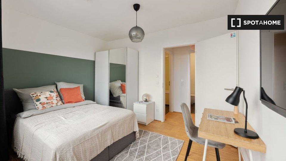 Stanze in affitto in appartamento con 4 camere da letto a ...