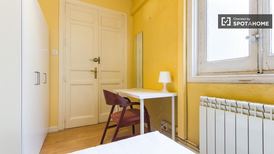 15 bedroom apartment