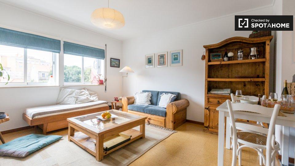 Alloggio in Residence in affitto a Graça e São Vicente Lisbona € 1200 al mese