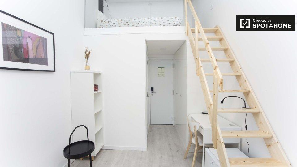 Monolocale in affitto ad Alameda Lisbona € 700 al mese