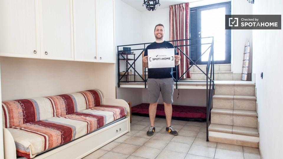 Affordable studio in affitto vicino quartiere prati di for Affitto roma prati