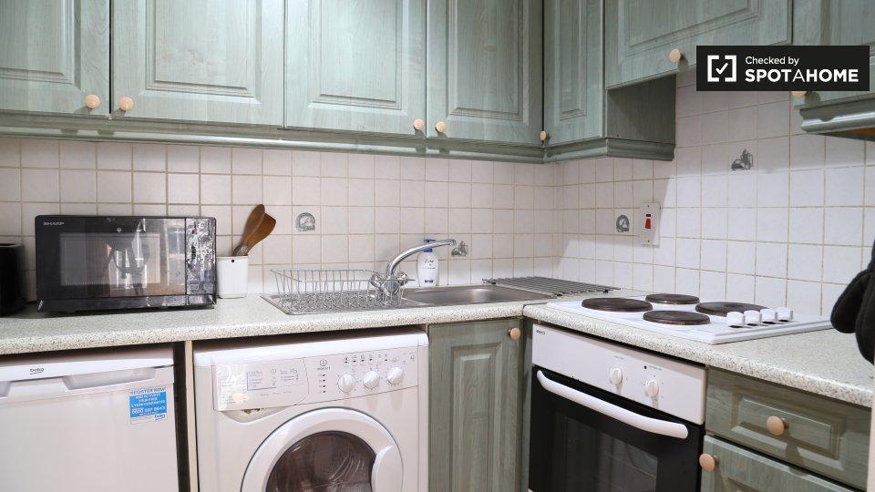 Apartment, Aston Abbey, 10 Aston Quay, Temple Bar, Dublin 2, D02 DH74, Ireland