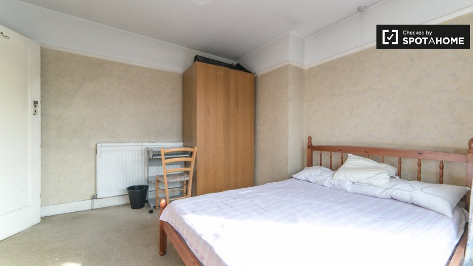 Sunley Gardens, Perivale, Greenford , London, UK