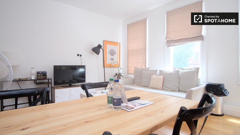 D Lillie Rd, Hammersmith, London SW6 1TL, UK