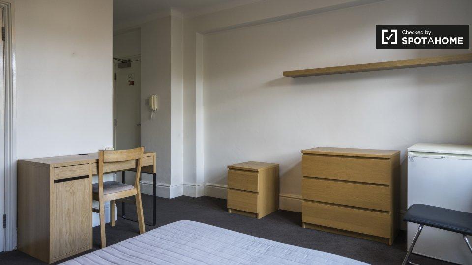 Francis Gardner Apartments