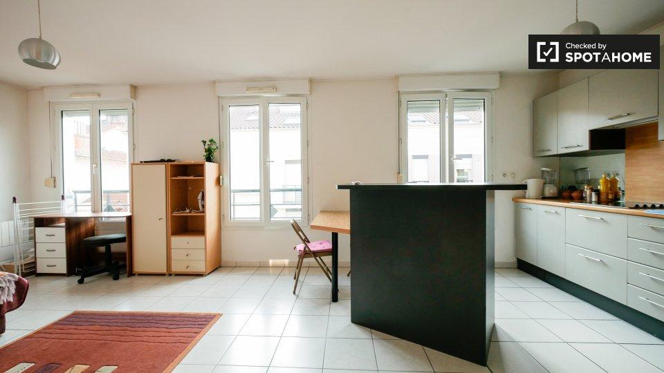 Rue du Dr Bonhomme, 69008 Lyon, France
