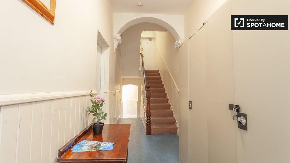 ApartmentC, 74 Drumcondra Rd Lower, Drumcondra, Dublin 9, D09 W0Y5, Ireland