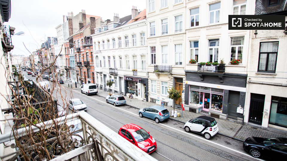 Rue Lesbroussart