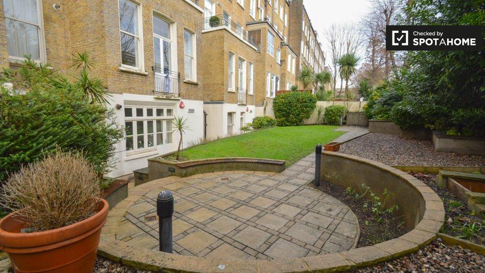 Grenbeck Court-34 Trebovir Rd, Kensington, London SW5 9NL, UK