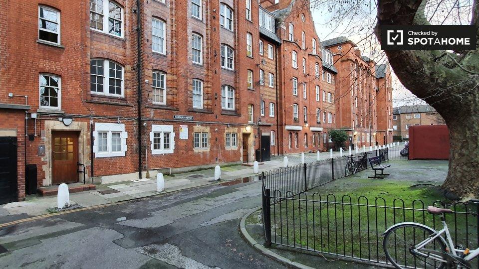 Sunbury Street