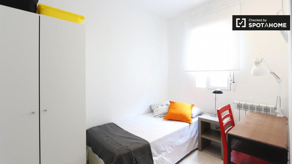 Luminosa camera in appartamento con 3 camere da letto, Tetu�n