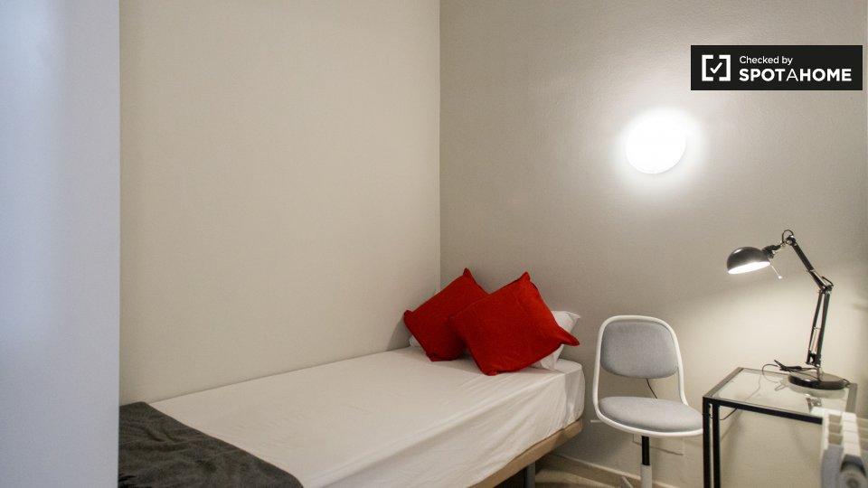 Camera accogliente in appartamento con 6 camere da letto, L'Esquerra de l'Eixample