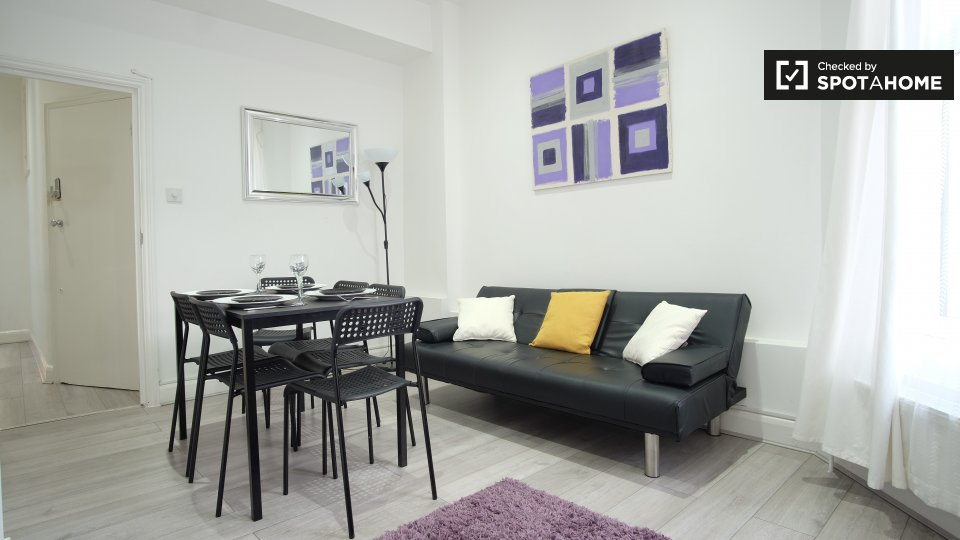 For Rent 2 bed Apartment in London London England, 1,697 ...