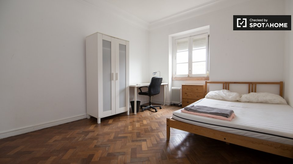 Camera in affitto a Arroios Lisbona € 525 al mese
