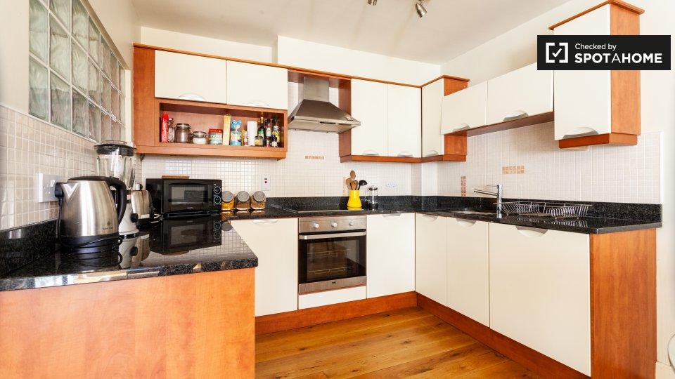 Apartment 2, 61 Camden Street Lower, Saint Kevin's, Dublin 2, D02 VY17, Ireland