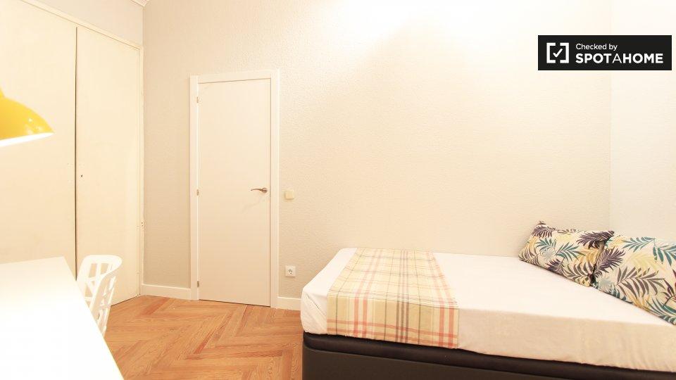 13 bedroom apartment
