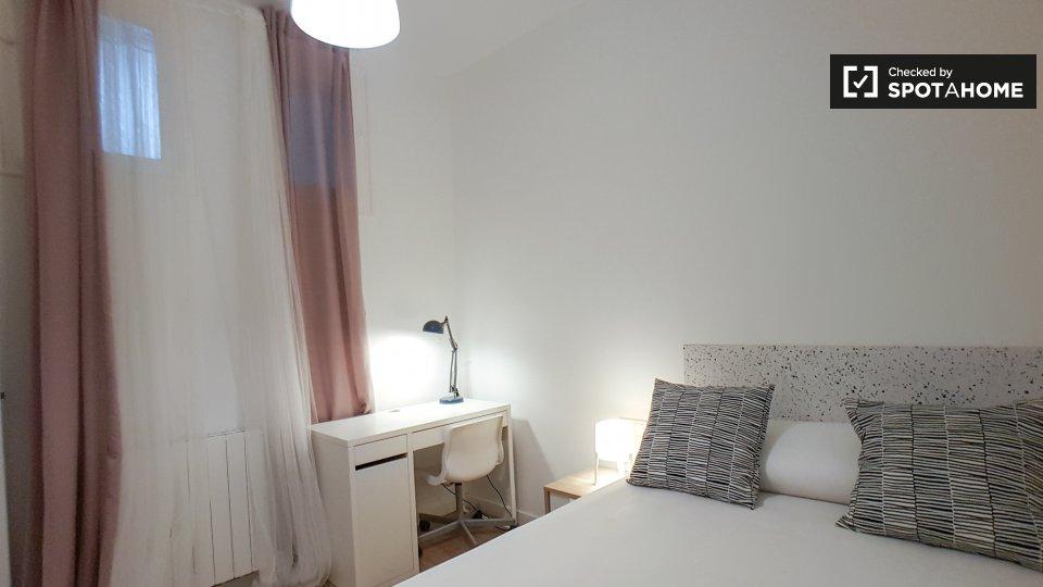 7 bedroom apartment